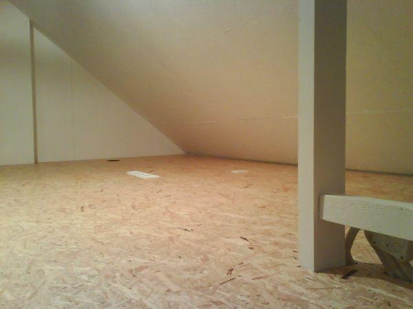 Vrijstaand bad op houten vloer 031435 ontwerp inspiratie voor de badkamer en de - Houten vloer hal bad ...